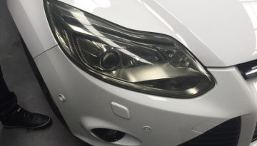 Ford Focus: Headlight Tint